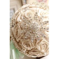 Διαμάντι ιδέες διακόσμησης του γάμου μαργαριτάρι γάμος διάταξη φωτογραφίας κρατώντας λουλούδια