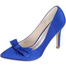 Σατέν τόξο με τα παπούτσια παπουτσιών παπουτσιών παπουτσιών παπουτσιών στυλό