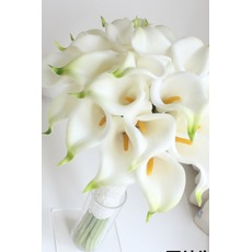 Η νύφη κρατά ένα calla προσομοίωση κρίνος λουλούδι μπουκέτο νύφης το κορίτσι λουλουδιών λουλούδι στο χέρι