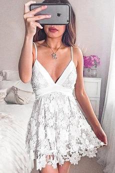 Φυσικό Έτος 2019 Βαθιά v-λαιμός Δαντέλα Κοντό Κοκτέιλ φορέματα
